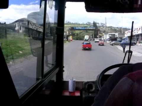 En autobús por la carretera Panamericana (Ecuador)