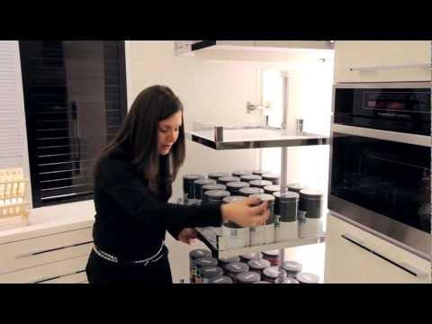 סרטון: ארונות גבוהים למטבח - ניצול מירבי ונגיש