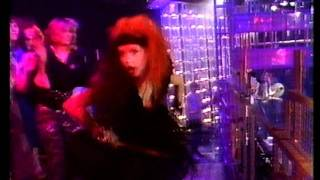 Cyndi Lauper - Girls Just Want To Have Fun. Top Of The Pops 1984