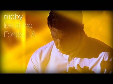 moby-almost-home-feat-damien-jurado-live-at-the-fonda-la-moby