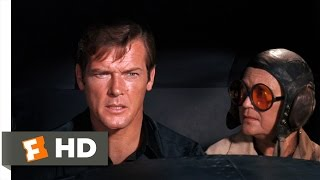 Live and Let Die (4/10) Movie CLIP - Bond's Flying Lesson (1973) HD