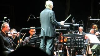 """Ennio Morricone """"Chi Mai (Le Professionnel)"""" - Live @ Bercy, Paris - 04/02/2014 [HD]"""