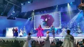 Libérée délivrée - Spectacle de la reine des neiges à Disneyland Paris