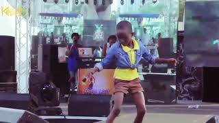 Watch Young Girl Dance To Olamide's Science Student { Nigerian Entertainment }