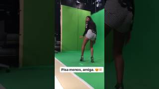 Mc Pocahontas Dançando Swalla - Nicki Minaj & Ty Dolla $ ign)