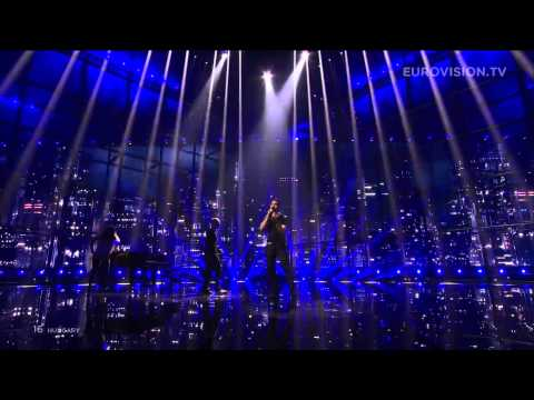 andras-kallay-saunders-running-hungary-2014-first-semi-final-eurovision-song-contest