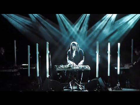 sohn-lights-live-tremors-tour-video-sohn