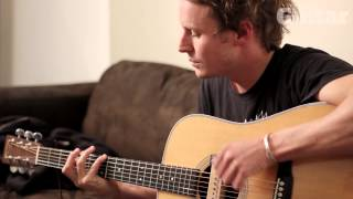 Ben Howard explains his 'pick and go' acoustic guitar technique and plays new song (TG241)