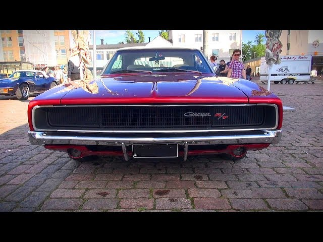 ULTRACOOL 1968 Dodge Charger R/T 440 - startup and great V8 sound
