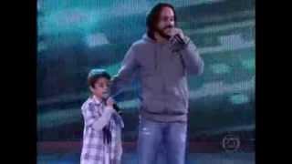 """Gabriel, o pensador canta junto com filho Davi música 'Isso aqui é familia"""""""
