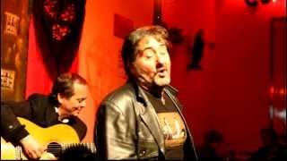 "Victor Manuel, ""Fado Nostalgia"" - ""É noite na Mouraria"""