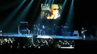 Ali Campbell -UB40- Homely Girl LIVE