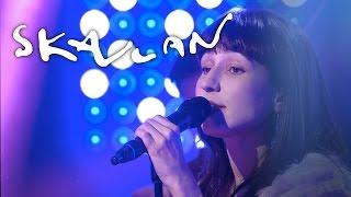 """Laleh """"Aldrig Bli Som Förr"""" - Live hos Skavlan"""