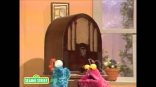 "How to say ""Nope, Nope""  Sesame Street Yip Yip martians"