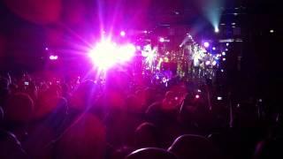 Smashing Pumpkins - Tonight Tonight (LIVE)