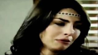 Tomas briga com Carla e ela chora