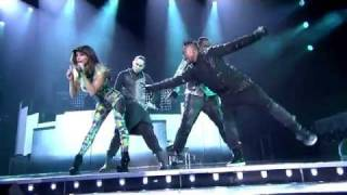 Black Eyed Peas / fergie hot - my humps (LIVE HD) - STAPLES CENTER - LOS ANGELES