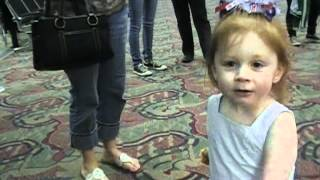 WOW VIDEO - Soldier Surprises 2 Year Old Daughter with Homecoming