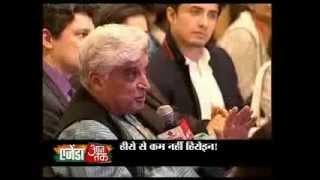 Javed Akhtar showers praise on Madhuri Dixit