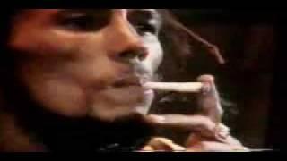 bob marley fumando marihuana