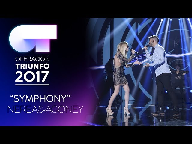 Vídeo de Agoney cantando Symphony con Nerea
