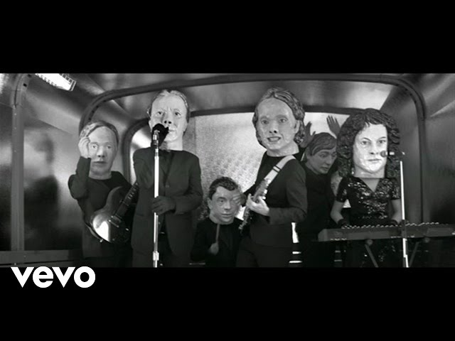 "Video oficial de ""Reflektor"" de Arcade Fire"