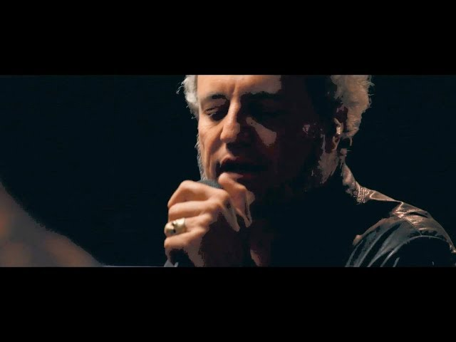 Tarque - Heartbreaker (Videoclip Oficial en Directo)  TARQUE ya disponible en: https://WarnerMusicSpain.lnk.to/tarqu...  Videos dirigidos por @lasdelcine  Youtube: https://www.youtube.com/channel/UCc1o...  Sigue a Tarque en:  https://www.instagram.com/tarqueofici... https://www.facebook.com/tarqueoficial/