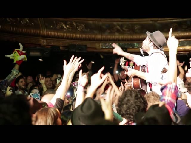 """Video de la canción """"Mi estrella"""" cantada por Albertucho con el público en concierto"""