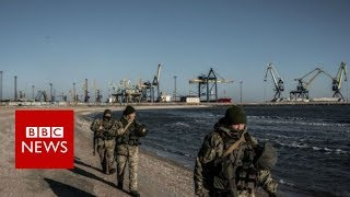 Ukraine bars Russian men from entering country - BBC News