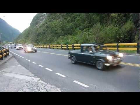 Ecuador Mini Club drive past & into tunnel