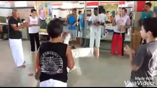 Aula capoeira no mercadao. Cambuí MG