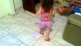 Sophia dançando funk