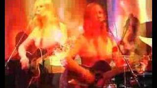 A Band Called Quinn - Invincible (Live)