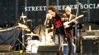 Street Sweeper Social Club - Paper Planes (Live in Toronto 06/02/09)