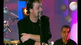 Dalaras & Parios - S' agapo giati eisai oraia (live)