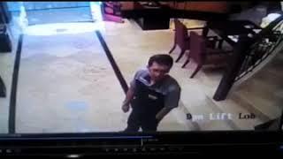 Vídeo mostra momento em que celular explode em bolso de homem