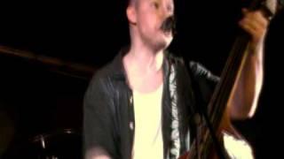 "Dillberriezz - ""Tattoos"" (live 21/03/2010)"