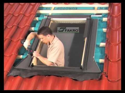 Come sistemare la copertura a tegole di una finestra sul for Finestre velux istruzioni telecomando