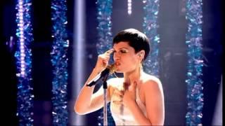 "Jessie J singing ""Thunder"""