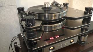 Kronos Adds Optional D.C. Accumulator Power to Pro Turntable