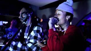 Wiz Khalifa W/ Snoop Dogg- Black And Yellow (Live)