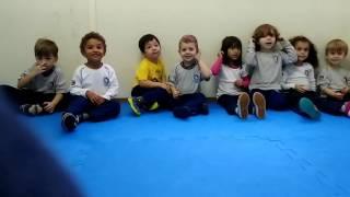 Música Educação Infantil - Aperto a campanhia