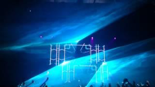 Dimitri Vegas and Like Mike - The hum live @ Cali