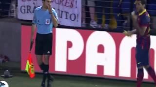 Daniel Alves eats banana thrown from crowd vs Villareal