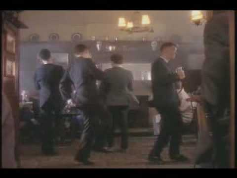 Happy Hour de Housemartins Letra y Video