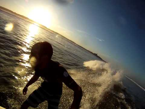 SURFING Puerto Sandino long wave