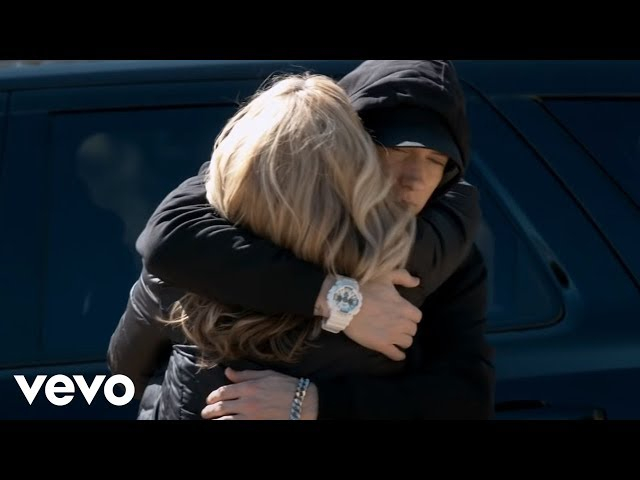 Video oficial de Headlights de Eminem feat Nate Ruess