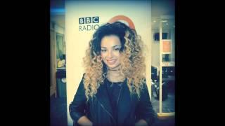 Ella Eyre - Fall Down (Live Session on BBC Radio 2)