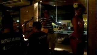 Adilson Bispo e dançarinas do Grupo Sem Hora Liberdade em Maceió-Alagoas
