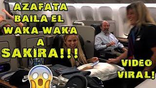 Azafata baila WakaWaka a Shakira!!! (Video Viral)
